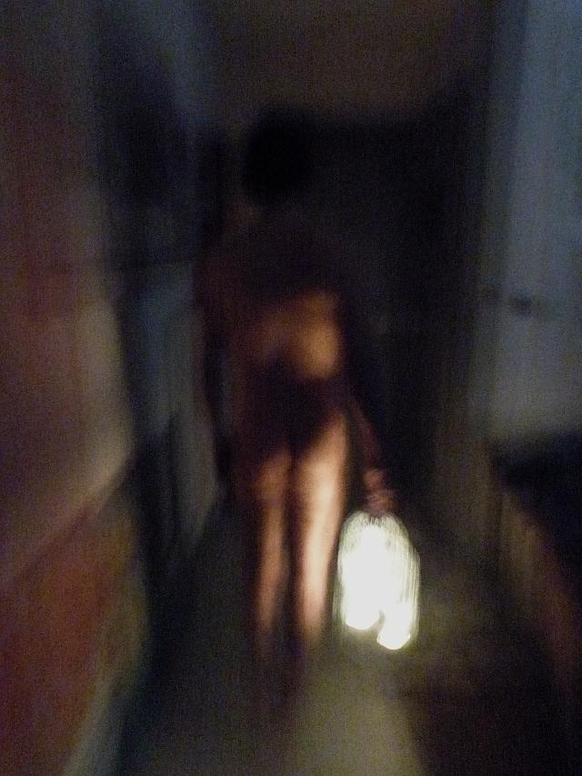 Un androgyne à la lanterne m'invitait à la suivre 2/3
