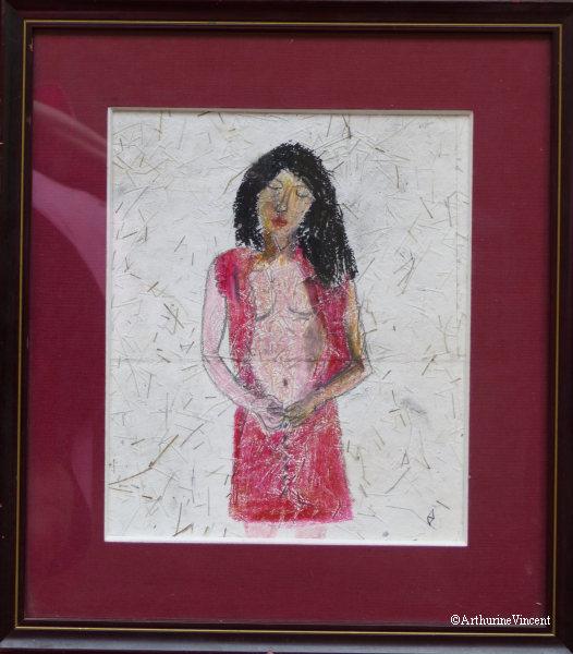 Jeune fille déboutonnant sa robe